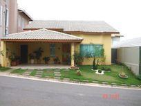 Excelente Casa Térrea em Condomínio Fechado em Atibaia