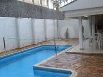 Casa à Venda em Parque Taquaral