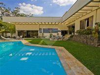 Casa à Venda em Jardim Leonor