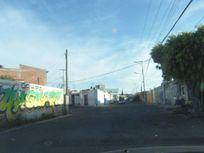 Locales comerciales en esquina, San Juan del Río