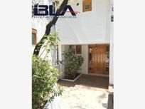 Casa en Venta en Lomas de Axomiatla