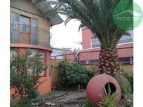 5D 3B, 300 m2 app. de patio, Amplia Casa en Penco