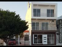 Edificio en venta con 5 locales y 11 suites