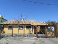 Casa junto à Barra, praia e Lago do Braço Morto, Centro, Imbé.