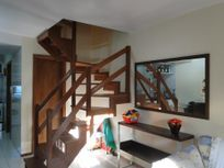 Casa/Sobrado 3 dormitórios c/ 1 suíte e 2 vagas garagens, em condomínio residencial à venda, Espírito Santo, Porto Alegre.