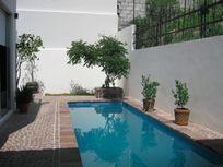 Residencia en Real de Juriquilla con Alberca, Jardín, 4 Recamaras, Terraza, Lujo