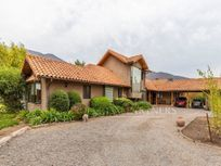 Casa Estilo chilena con piscina temperada