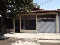 Aluga-se excelente casa no Centro de Macapá