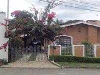 Linda casa 3 dormitórios em Atibaia
