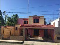 Casa en barrio de Santa Lucia