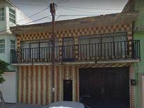 CASA 382 M2, 4 RECAMARAS, 3 BAÑOS, GARAJE, PATIO.
