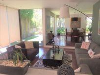 RENTA CASA de lujo en Santa Fe con doble seguridad y 8,000 m2 de áreas verdes