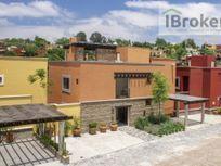 Villa en Venta en San Miguel de Allende. Con Roof Top. En Centro. Entrega Ya!