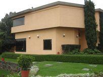 Casa en Venta en Santa María Tepepan