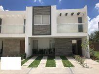 Casa en Venta en Venta en venta Lomas de Angelópolis, Cascatta