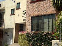 Venta de Casa en Condominio en Los Agaves