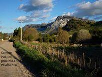Parcelas a 10 minutos de Coyhaique con orilla de rio.