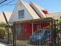 Casa independiente en tradicional sector.
