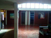 Venta casa solida cinco dormitorios en Arica