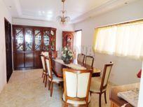 Casa com 4 quartos e Churrasqueira, São Caetano do Sul, Jardim São Caetano, por R$ 2.200.000