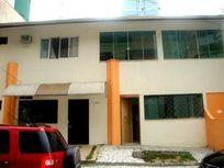 Apartamento residencial para locação, Pioneiros, Balneário Camboriú.