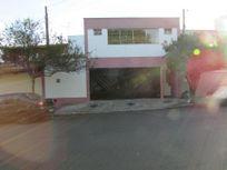 Casa com 3 dormitórios para alugar, 174 m² por R$ 1.800/mês - Nova Piracicaba - Piracicaba/SP