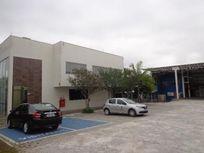 GALPÃO COMERCIAL PARA LOCAÇÃO  Terreno de 2807 m² | Área construída de 995 m²  Galpão comercial com ótima infraestrutura, 06 salas, escritório, cozinh