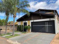 Casa com 3 dormitórios à venda, 214 m² por R$ 500.000,00 - Santos Dumont - Três Lagoas/MS