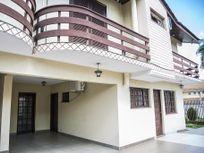 Sobrado em condomínio com 3 dormitórios 2 vagas semi mobiliado, bairro Agua Verde