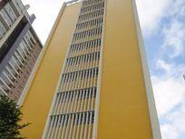 Amplo Apartamento para locação no Batel