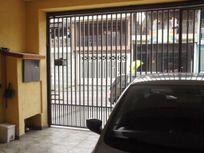 Lindo sobrado á venda no Jardim Adriana com 03 dormitórios, 02 vagas de garagem e suíte com sacada! Oportunidade!