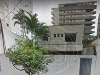 Casa com 5 Salas na R Inhambú, São Paulo, Vila Uberabinha
