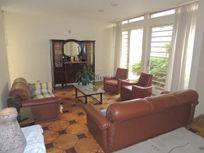 Casa com 4 quartos e Area servico na AV Jurema, São Paulo, Moema