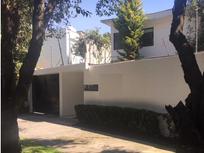 Linda Casa con Uso de Suelo en Renta de 493 m2 en Lomas de Chapultepec