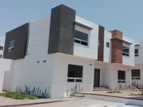Venta de Nuevas Casas en Playas de Tijuana