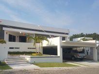 Lujosa Residencia en Venta en Lomas de Cocoyoc $16,000,000