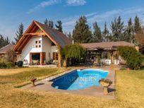 Linda casa con vista a cancha de golf  Condominio Las Araucarias en Linderos
