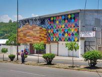 Edificio en venta ideal para negocio, oficinas, escuela o clínica.