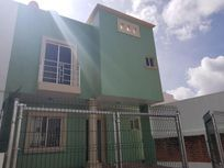 Casa en Renta AMUEBLADA Completa en Fraccionamiento Libertad.