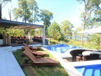 Imponente Casa en venta con Vista al lago, en Avándaro, Valle de Bravo.