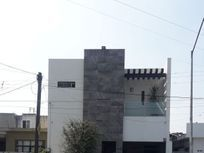 LOCAL EN RENTA  PARA OFICINA, ESTETICA, GYM, ESCUELA ETC. EN GUADALUPE, N.L.
