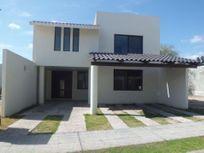 Casa en Renta en Coto San Nicolas. al poniente.