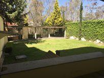 Renta gran casa con jardín privado en Lomas  Country Club