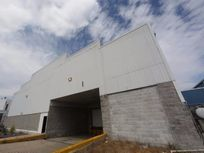 Renta de Nave Industrial en Bernardo Quintana - 1,800 m2 - UBICADISIMA!