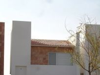 Preciosa Casa en Santa Fe Juriquilla, GRAN TERRENO 279 m2, Jardín, 3 Recámaras..