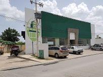 Local comercial en renta sobre calle principal del centro de Kanasín, Yucatán