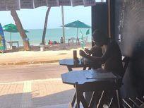 Ponto comercial na praia de Ponta Negra