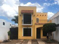 Casa de 2 Pisos en Renta (Gran Santa Fé, Mérida)