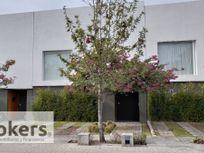 Casa En Venta en Juriquilla Santa Fe. 4 Recamaras. 2 Jardines. Alberca. Gym