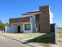 Preciosa Residencia en VISTA REAL, 4 Recamaras, 2 en PB, Gran Jardín, 2 Terrazas